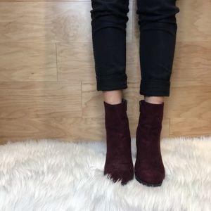 🦖 Sam Edelman burgundy booties